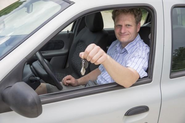 Autóbérlés Budapest és környéki ingyenes vagy olcsó kiszállítással. Hívja Móra Péter autókölcsönzőt!