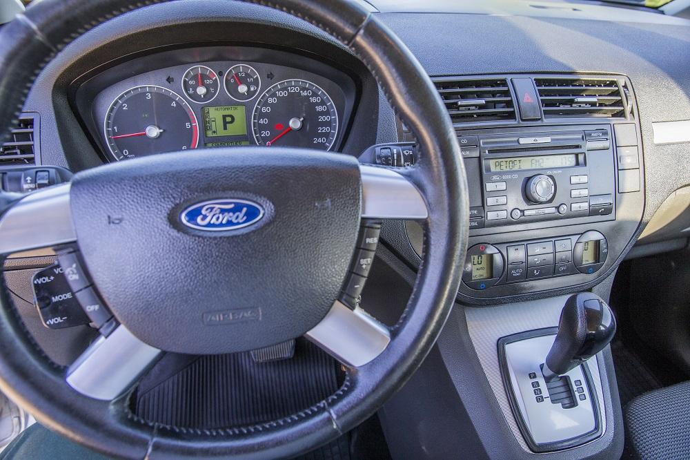 Béreljek autót vagy inkább vegyek?