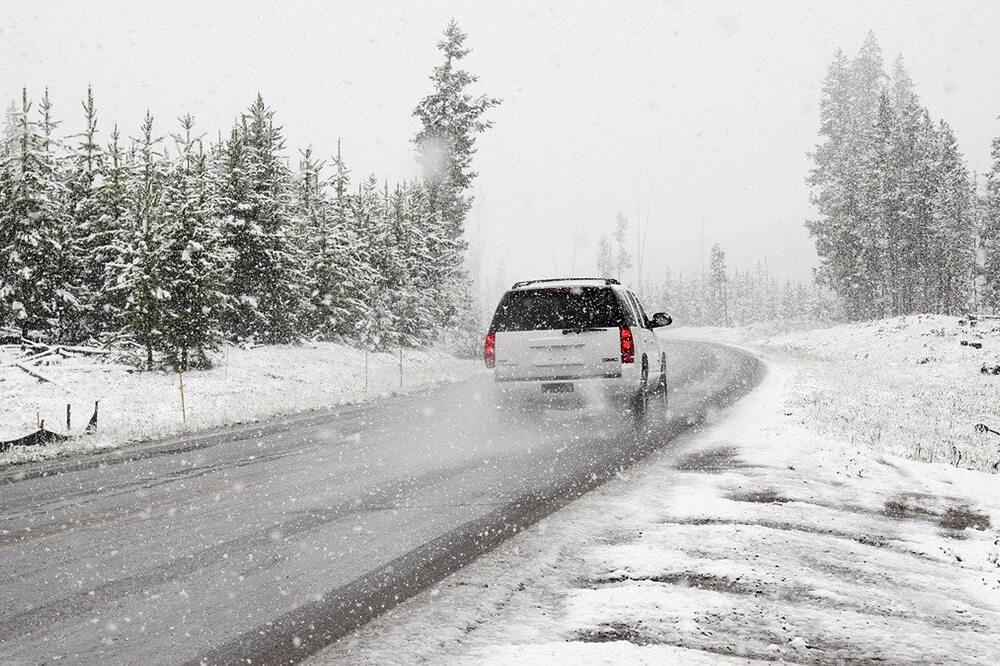 Mire figyeljünk mielőtt télen útnak indulnánk a bérautóval
